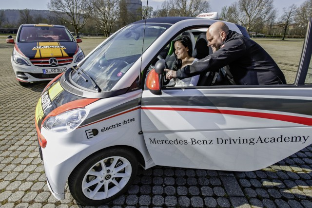 Smart Fortwo Electric Drive And Mercedes Benz B Class Electric Drive At Driving  School