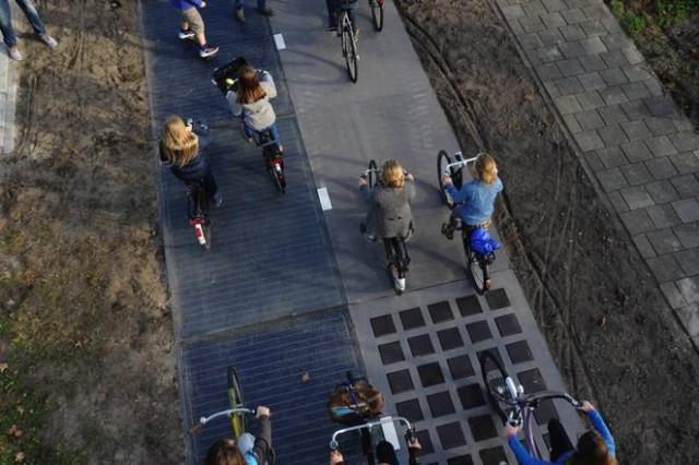 SolaRoad solar bicycle lane, The Netherlands