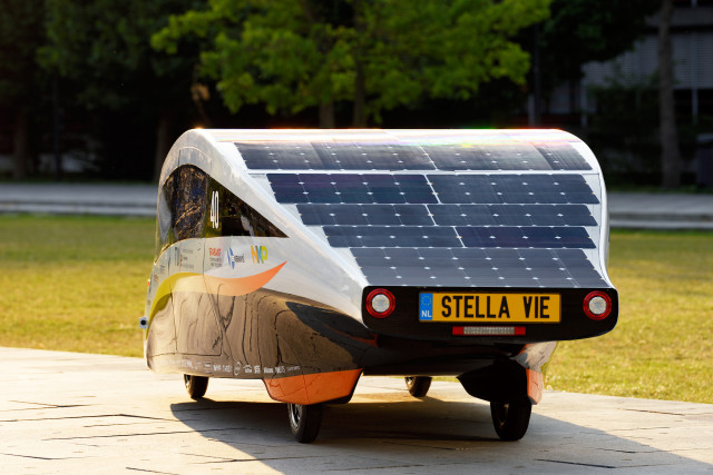 Stella Vie Family Sedan Wins Long Distance Solar Car Race