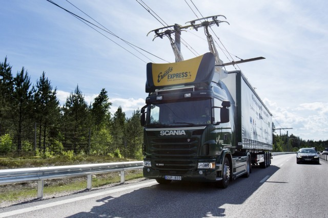 Road For Electric Trucks With Trolley Like Catenary Opens