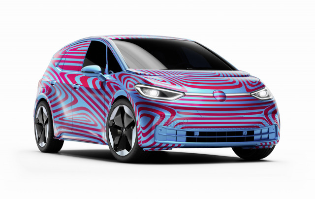 Mercedes' carbon-neutral future, Volvo's battery suppliers, Honda's EV: Today's Car News