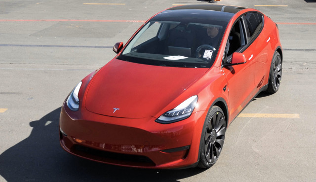 Tesla celebrates building its one-millionth car - Photo credit: Elon Musk/Twitter