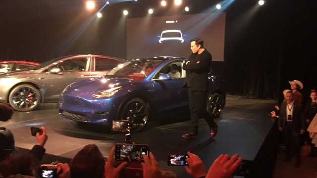 Tesla Model Y debuts, Mercedes-AMG goes electric, Model Y vs. Model 3: What's New @ The Car Connection
