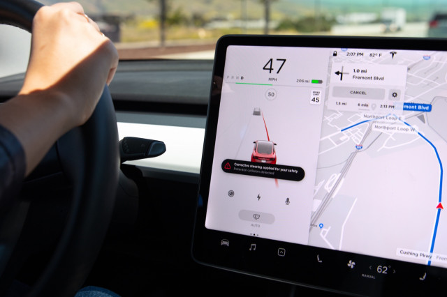 Tesla Lane Departure Avoidance Screen The 2020 Toyota Prius Prime