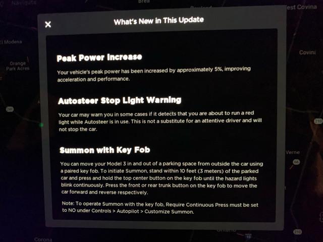Tesla Model 3 Autopilot stoplight warning