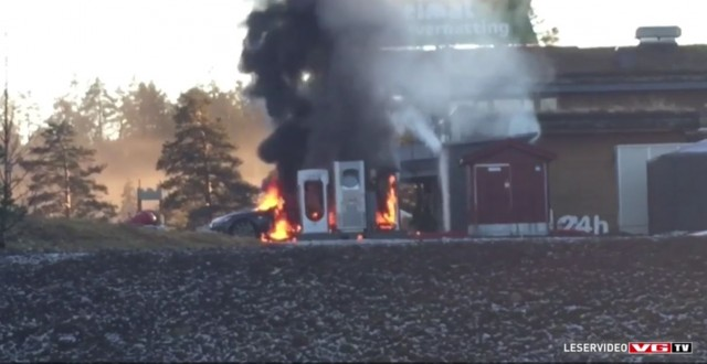 Tesla Model S fire at Supercharger station, Brokelandsheia, Norway, Jan 2016  [frame from VG TV]