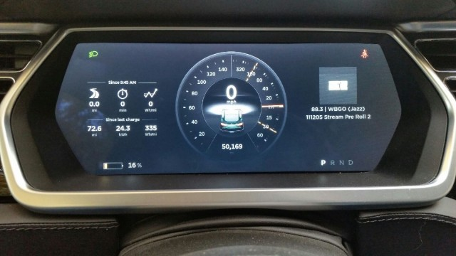Tesla Model S redesigned instrument cluster, Version 7.0 operating software [photo: David Noland]