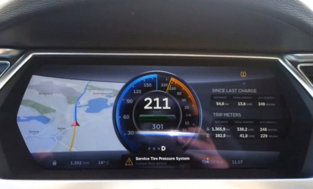 Tesla Model S taken to top speed on a German Autobahn
