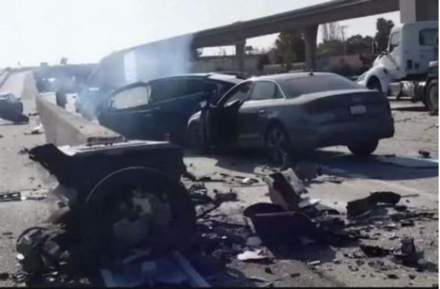 Tesla Model X crash, Hwy 101 Mountainview, California