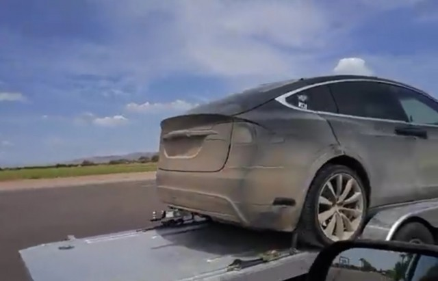 Tesla Model X prototype on Arizona road, July 2015 [by YouTube user count783]