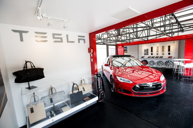 Tesla Motors 'popup store' to display electric cars, Santa Barbara, CA, May 2015