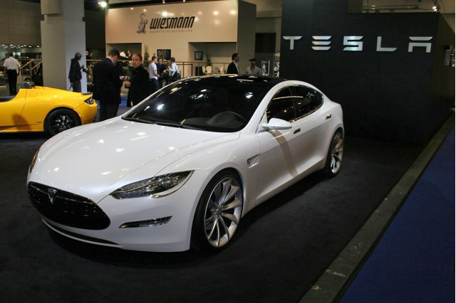 Tesla Model S Added to List of Battery Swap Capable EVs