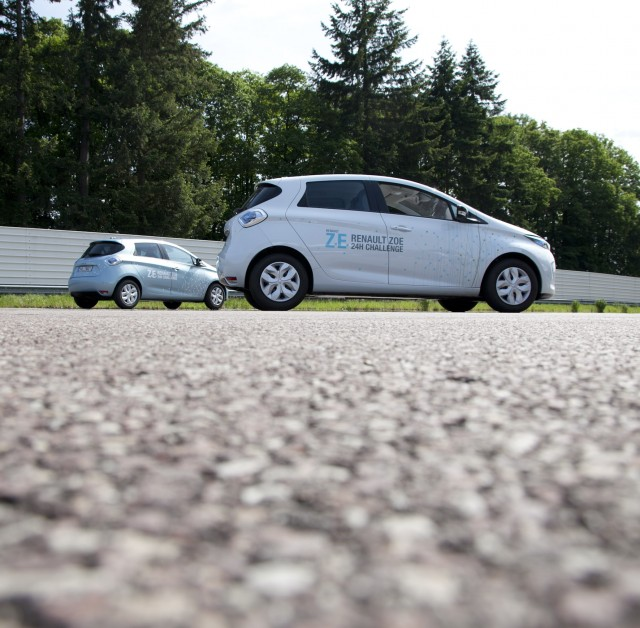 The Renault ZOE sets a new world record, traveling 1,618 km in 24 hours