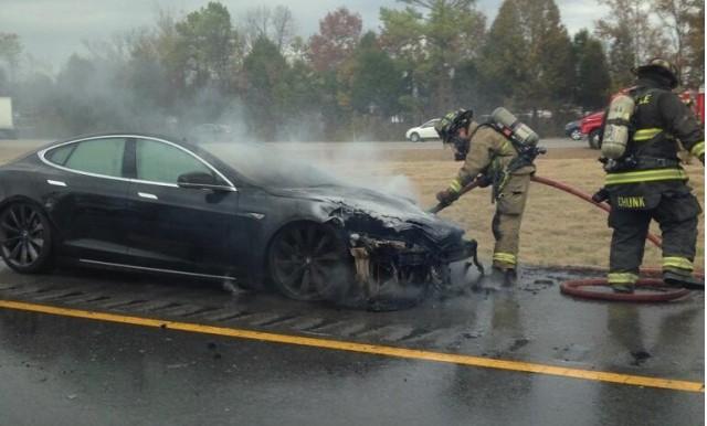 Third Tesla Model S catches fire after hitting road debris. Photo via Twitter user @NASHVILLAIN_