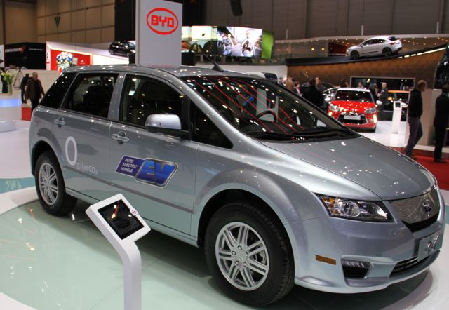 BYD e6 at 2011 Geneva Motor Show, photo by Robert Llewellyn