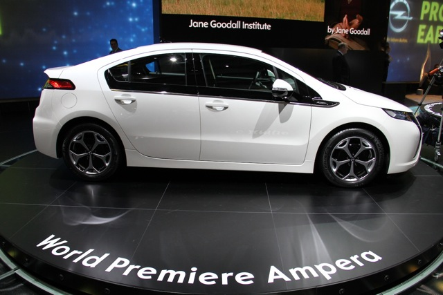 Opel/Vauxhall Ampera at 2011 Geneva Motor Show, photo by Robert Llewellyn