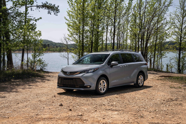 2022 Toyota Sienna Woodland Special Edition