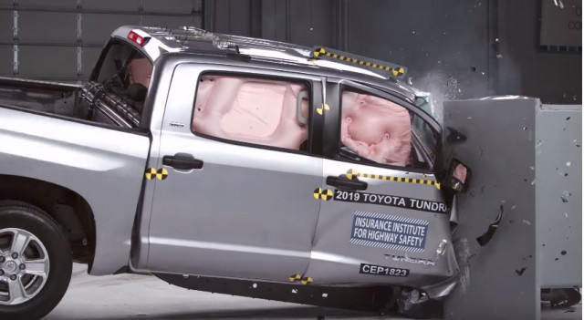 2019 Toyota Tundra crash test