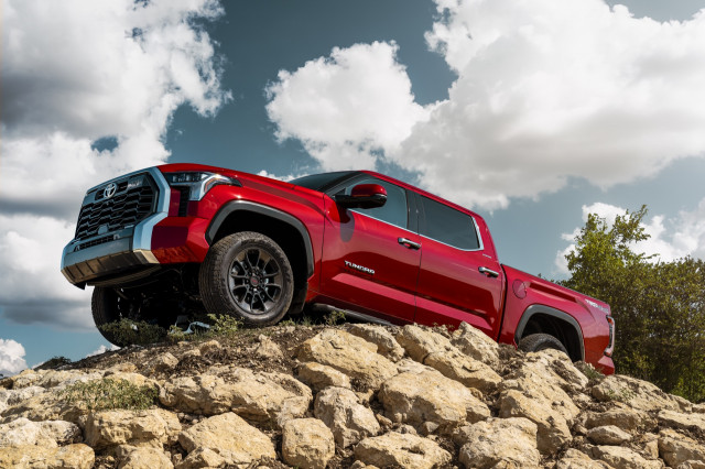2022 Toyota Tundra debuts, Porsche Macan GTS tested, 300-mile EVs listed: What's New @ The Car Connection