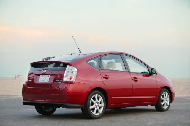 buying a used toyota prius here s what you need to know page 3. Black Bedroom Furniture Sets. Home Design Ideas