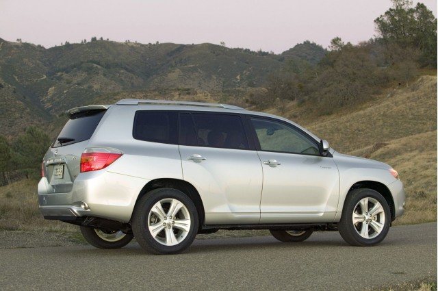 2010 highlander is toyota 39 s 12th north american built model. Black Bedroom Furniture Sets. Home Design Ideas