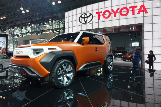 Toyota FT-4X concept, 2017 New York Auto Show