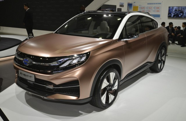 China S Gac Shows Electric Car Plug In Hybrid Concept Crossover At