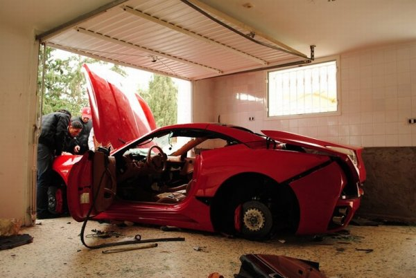 Tunisian Rioters destroy Ferrari California
