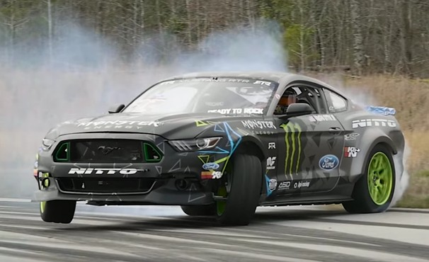 Benz Drift Car >> Vaughn Gittin, Jr. puts a 900-hp Mustang to the test