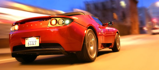 Video: Tesla Roadster crashes into a wall