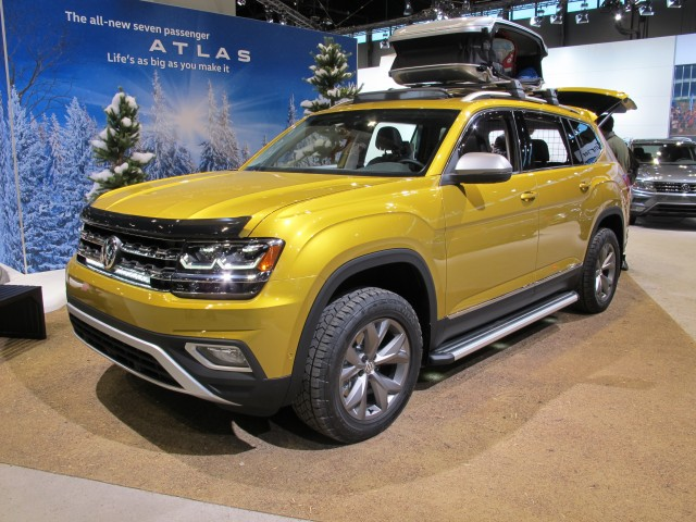 Volkswagen Atlas Weekend Edition, 2017 Chicago auto show