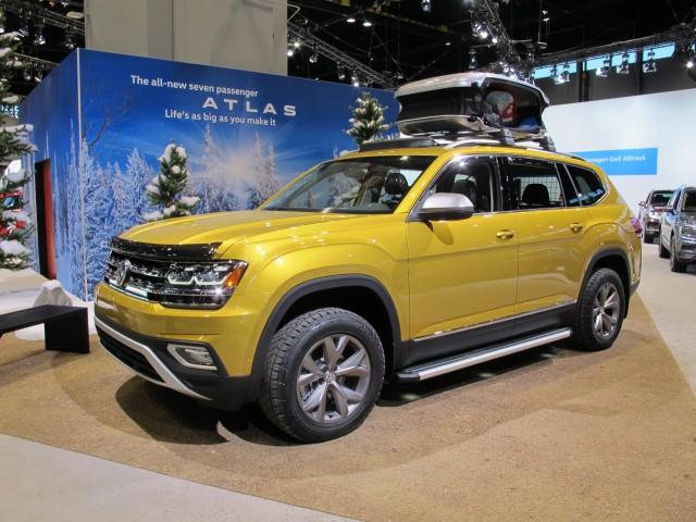 Volkswagen Atlas Weekend Edition, 2017 Chicago auto show