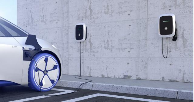 Volkswagen charging at VW Elli charging station