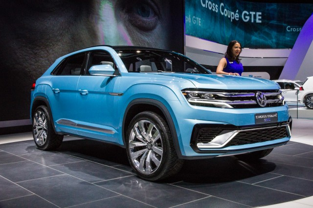 Volkswagen Cross Coupe GTE Concept live photos, 2015 Detroit Auto Show