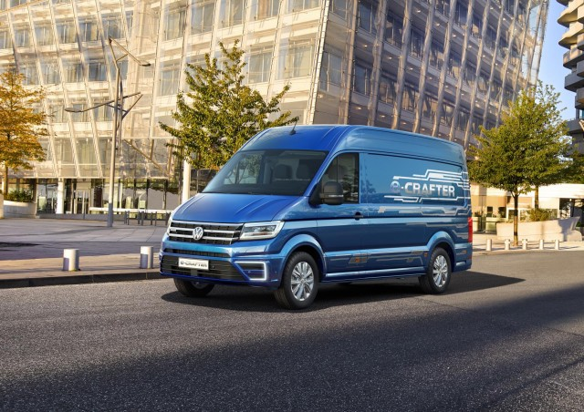 vw e crafter mercedes urban e truck concept electric vans for europe. Black Bedroom Furniture Sets. Home Design Ideas