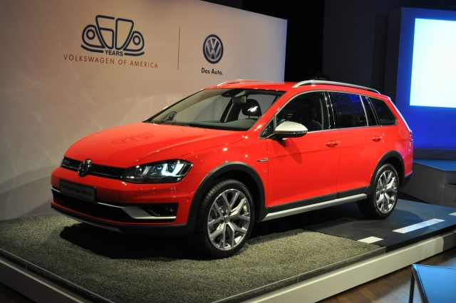 2016 Volkswagen Golf SportWagen Alltrack Live Photos, 2015 New York Auto Show