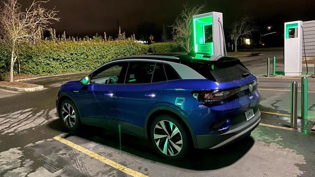 Volkswagen ID.4 at Electrify America, Hazel Dell WA
