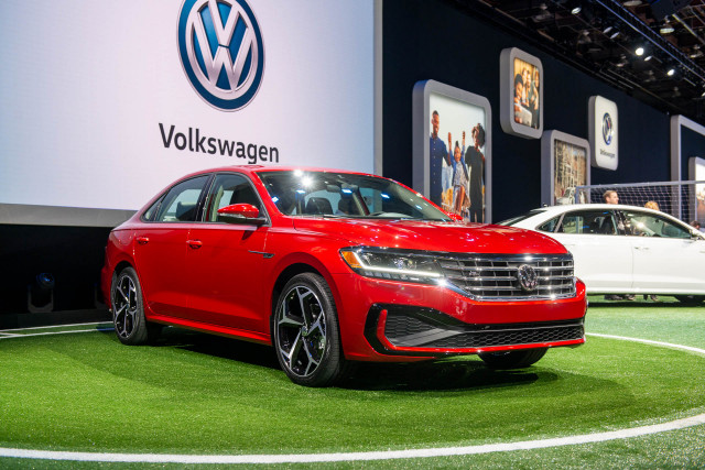 2020 Volkswagen Passat unveiled: New look, same bones for mid-size sedan