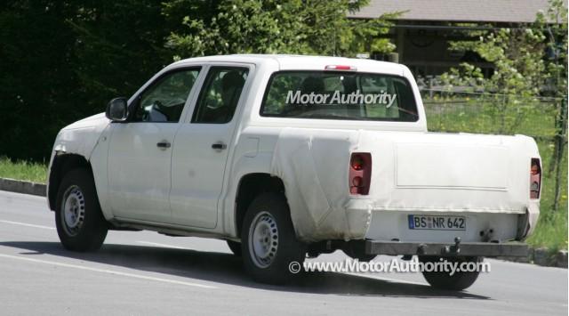 volkswagen robust spy motorauthority 002