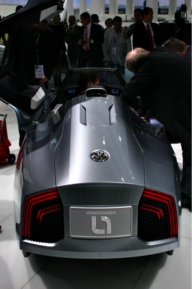 2009 Volkswagen L1 concept at the 2009 Frankfurt auto show