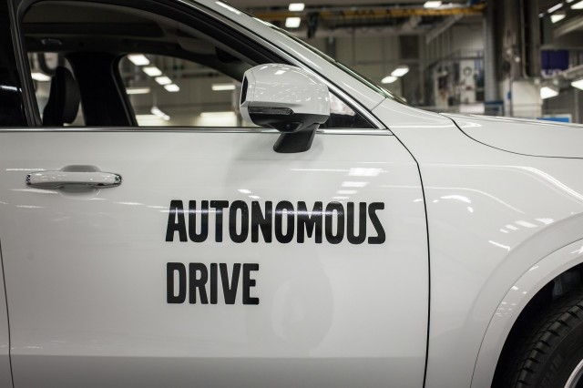 Study reports that future self-driving cars may only prevent one-third of car crashes