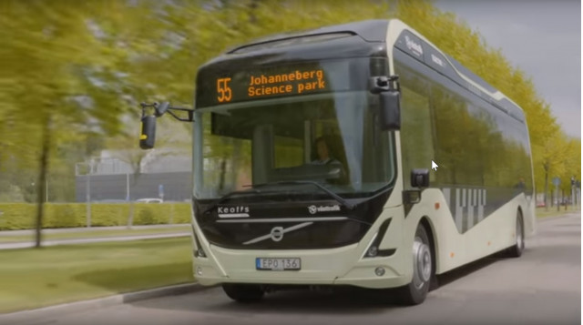 Volvo electric bus on Gothenburg, Sweden's Route 55 [Credit: Volvo - via YouTube]