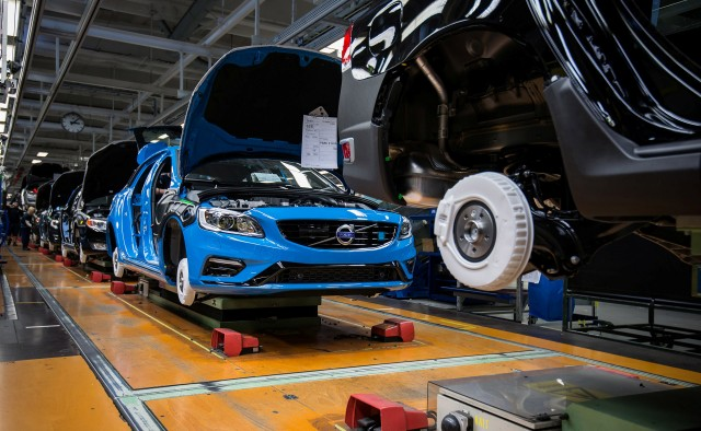 Volvo S60 production at Torslanda plant in Sweden