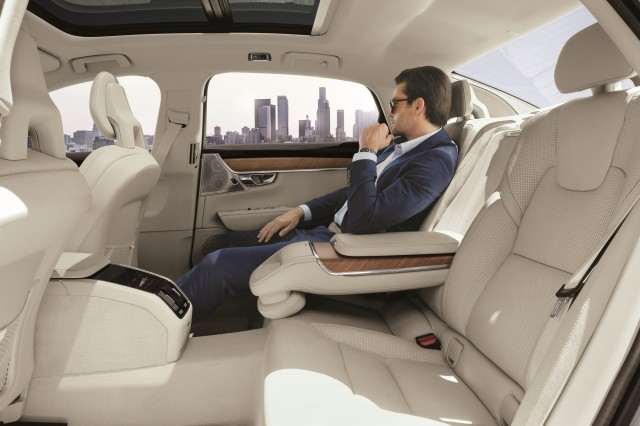 Volvo S90L rear seat, Chinese market version