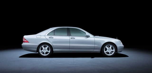 W220 Mercedes-Benz S Class 220 (1998 to 2005)
