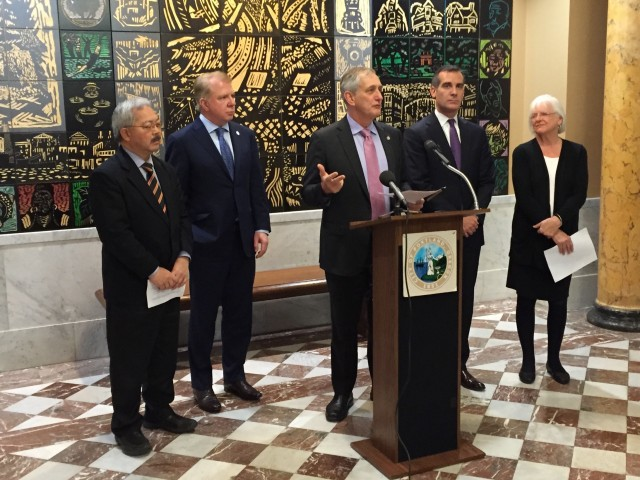 West Coast mayors announce carbon reduction, EV consortium - Portland - December 2015