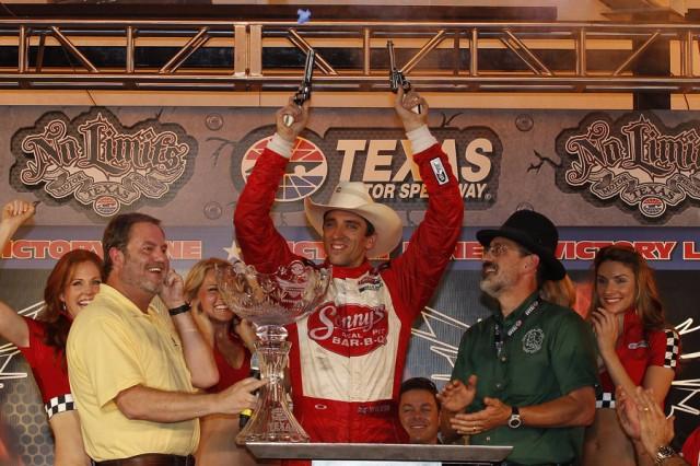 Wilson celebrates the Texas way - courtesy IZOD IndyCar Series LAT USA