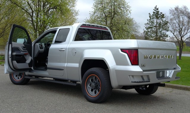 Hybrid Pickup Trucks >> Workhorse W-15 range-extended electric pickup truck revealed (video)
