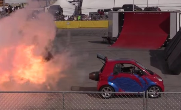 """World's fastest"" Smart car has 1,500-horsepower jet engine: Video"