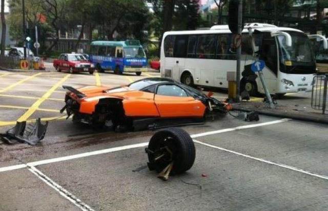 Pagani Zonda F Crashes In Hong Kong